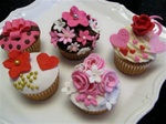 Decorated Valentine Cupcakes
