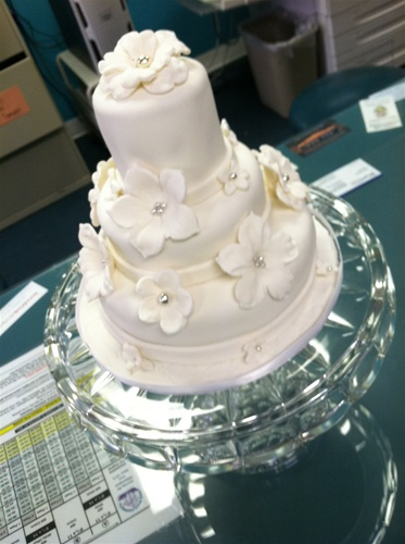 mini wedding cakes delivered why send flowers when you can one of our mini cake s 17424